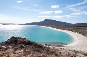 Mexique_La_playa_de_Isla_Espíritu_Santo_-_panoramio